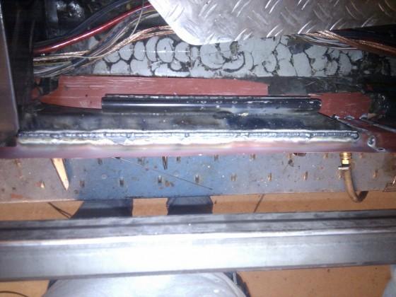 Innenschweller und Sitzschienenträger verschweißt